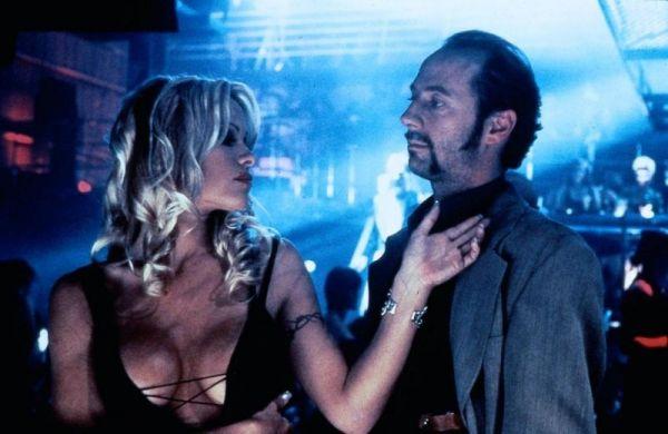 Barb Wire - Pamela Anderson und Xander Berkeley